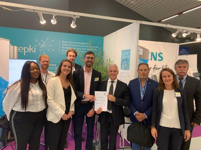 Signature du contrat Deepki lors du Congrès de la FNCCR à Nice le 2 octobre 2019